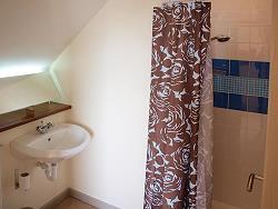 En-suite badkamer op bovenverdieping